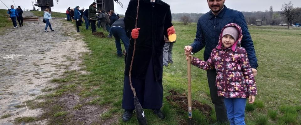 Відтепер у Музеї в Пирогові ростимуть і дерева, посаджені ДУМУ «Умма»