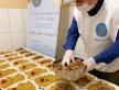 Дважды в неделю волонтеры Исламского культурного центра им. Мухаммада Асада готовят и фасуют в ланч-боксы ифтары для единоверцев.